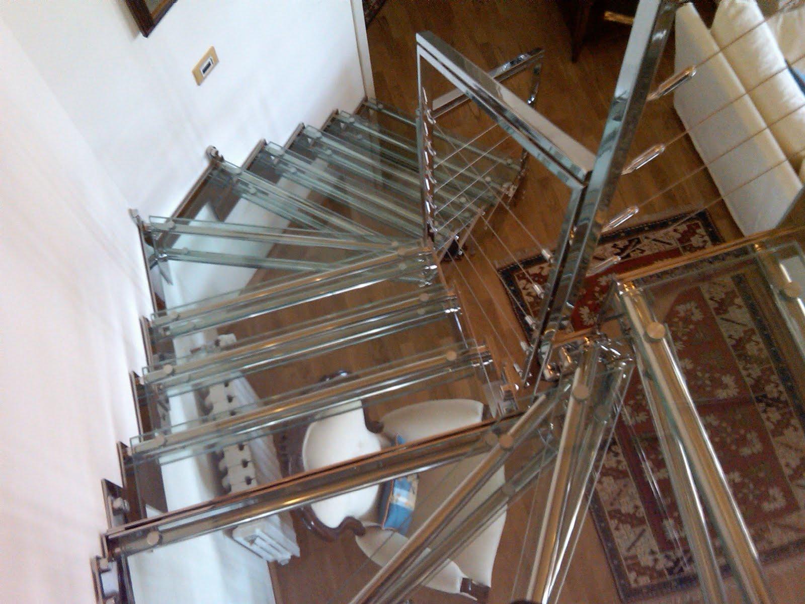 Scala acciaio e cristallo il blog di roversi scale for Piccole case quadrate