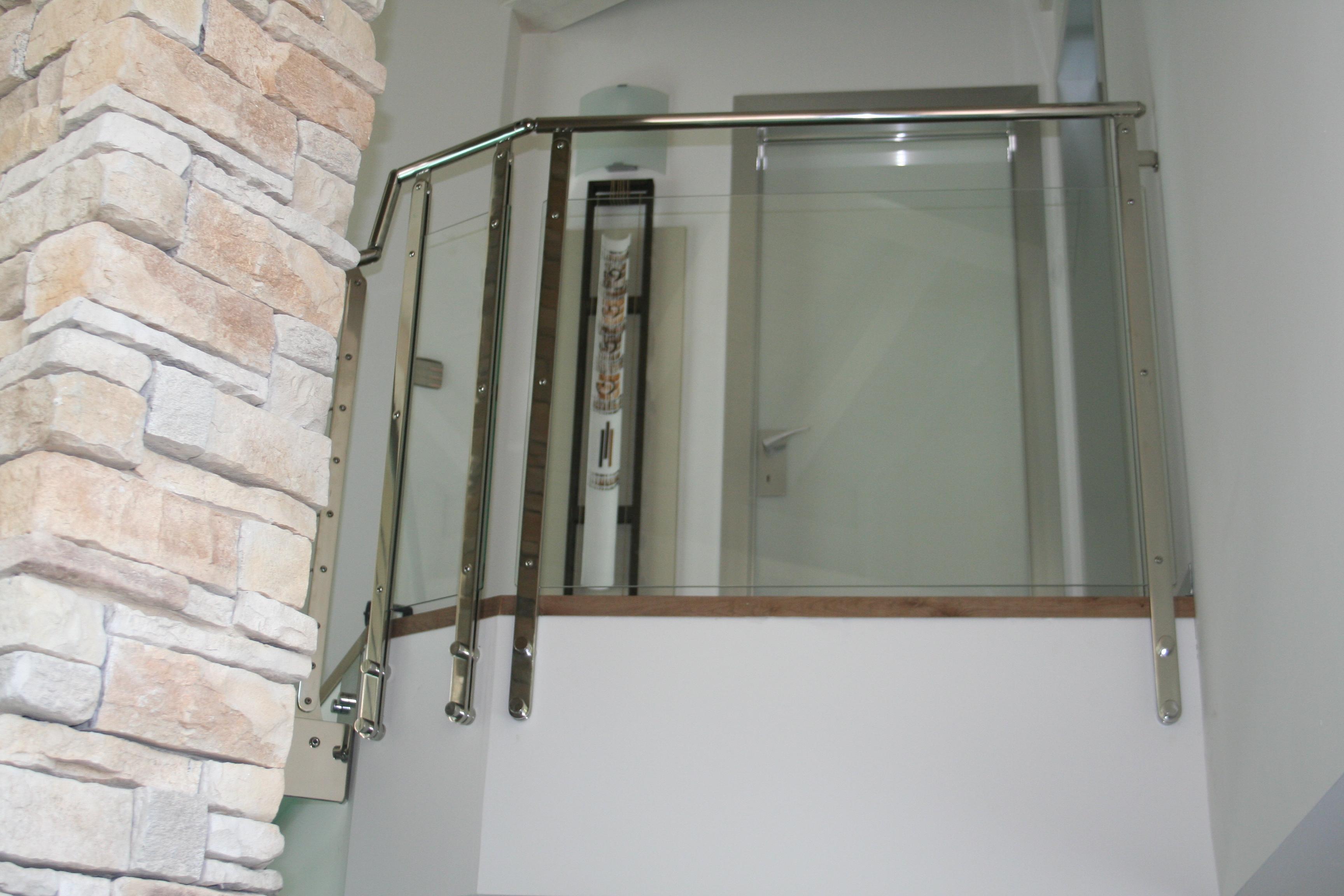 Casa moderna roma italy scale in acciaio e vetro - Scale in vetro e acciaio prezzi ...