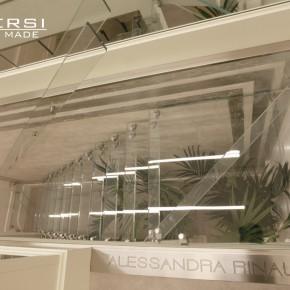 SCALA-in-vetro-NICOLE-la-stilista-delle-spose