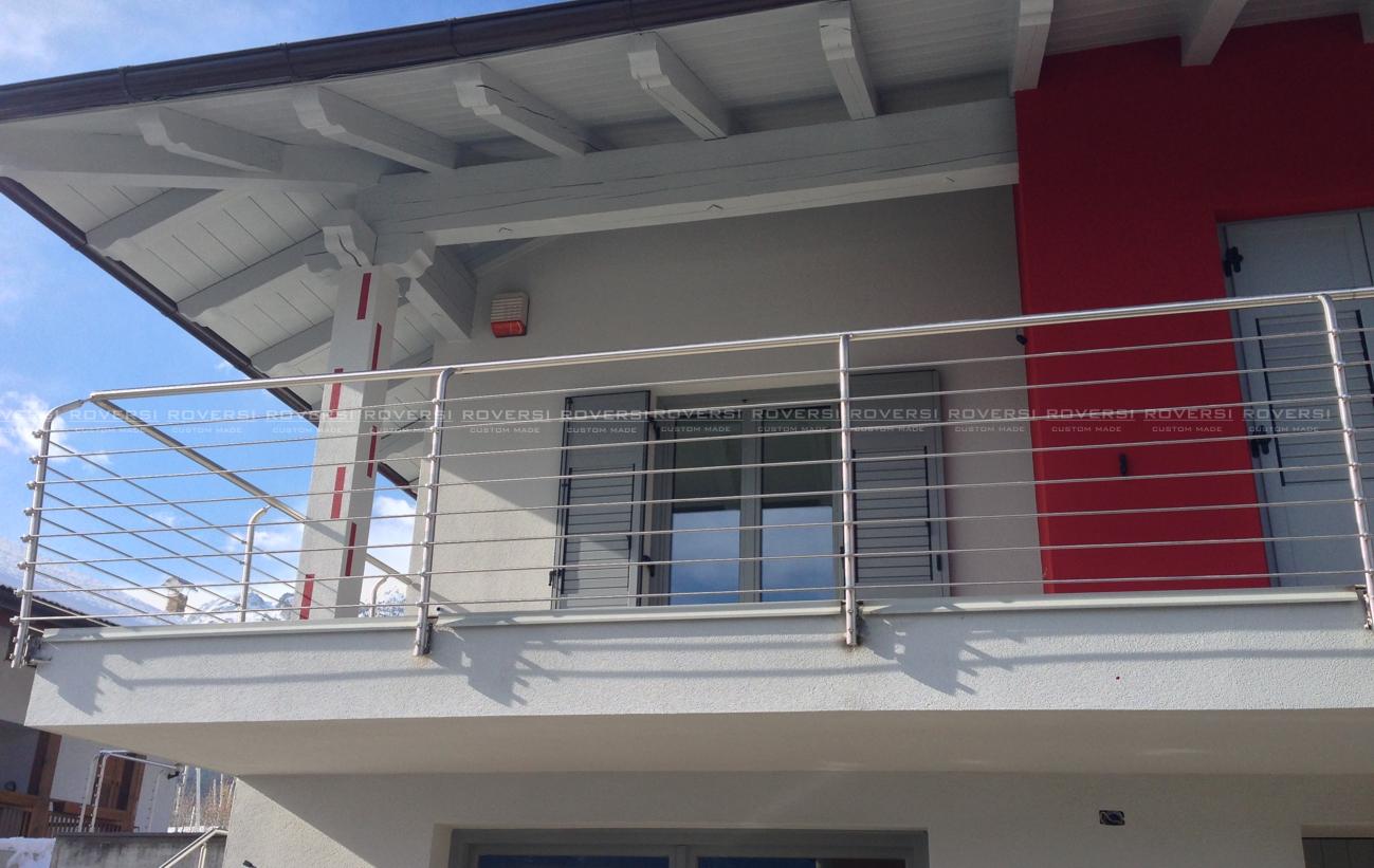 Ringhiere balconi per esterni va68 regardsdefemmes for Idee per coprire ringhiera balcone