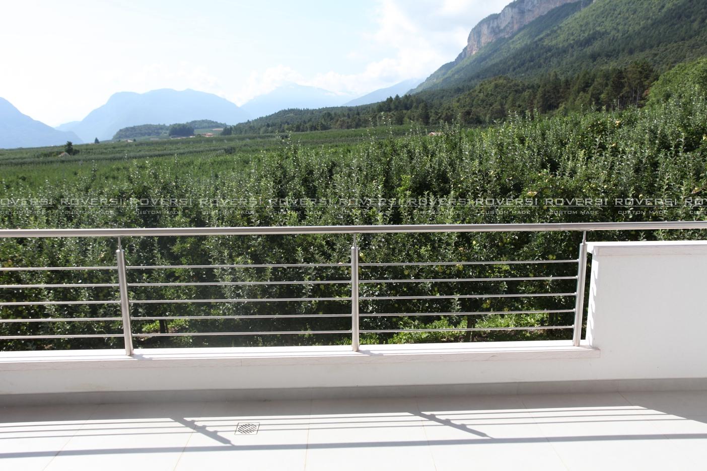 Balaustre in acciaio per balconi il blog di roversi scale - Ringhiere per terrazzi ...