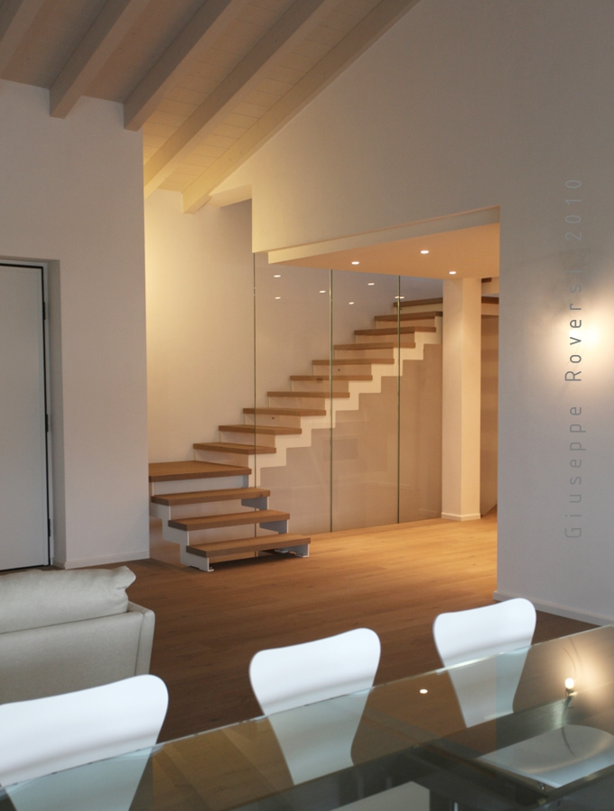Evoluzione e tendenze di design nelle scale interne il - Scale classiche per interni ...