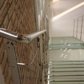 Scale da interni in vetro temperato e stratificato