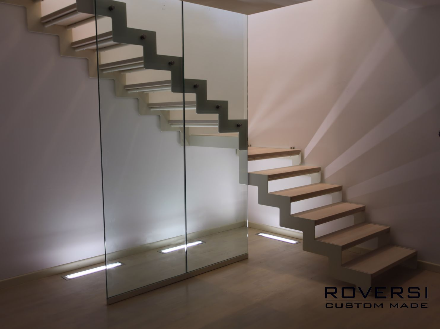 Scala in ferro con ringhiera in vetro il blog di roversi - Scale di design ...