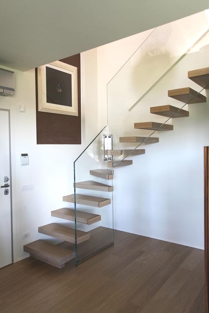 La scala a sbalzo sound kr1 il blog di roversi scale - Casa in acciaio e vetro ...