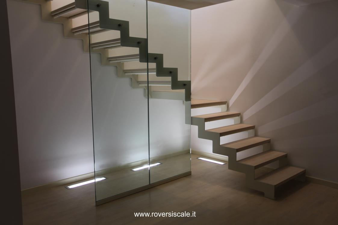 Scala a giorno ringhiera in vetro experience il blog di for Arredare pianerottolo scale